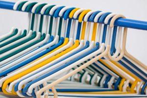 Aufräumen im Kleiderschrank
