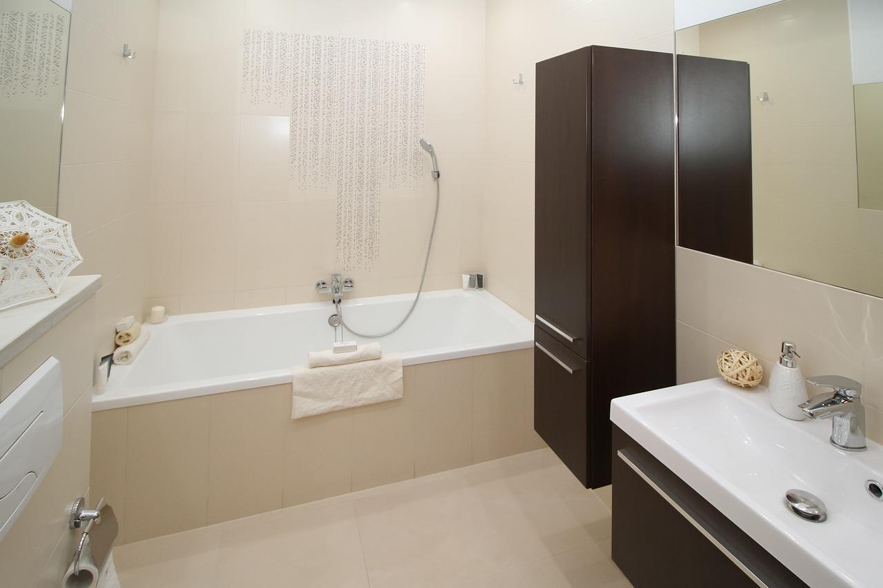 Kleine Badezimmer geschickt einrichten | Garten & Haus